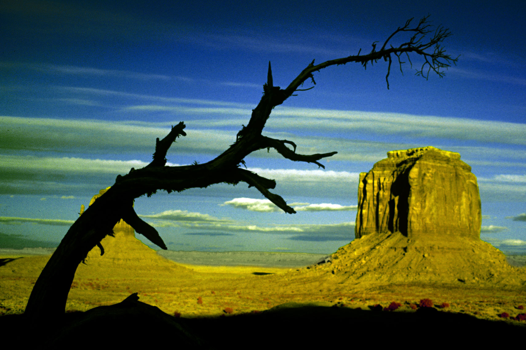 06_Infrared-Monument-Valley