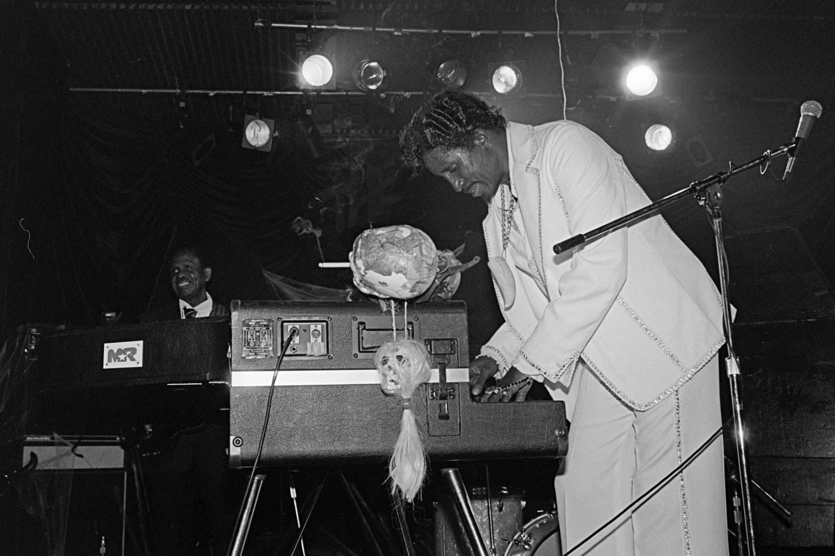 070_077_Screamin-Jay-Hawkins_Irving-Plaza