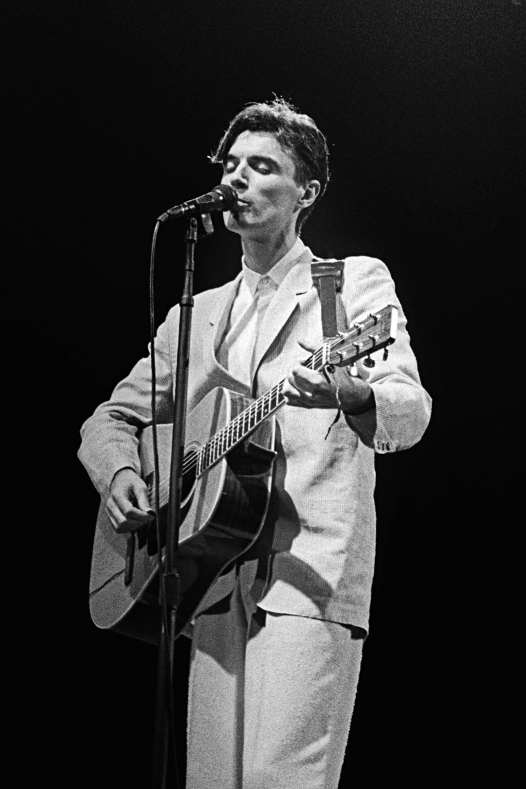 085_092_David-Byrne-Talking-Heads