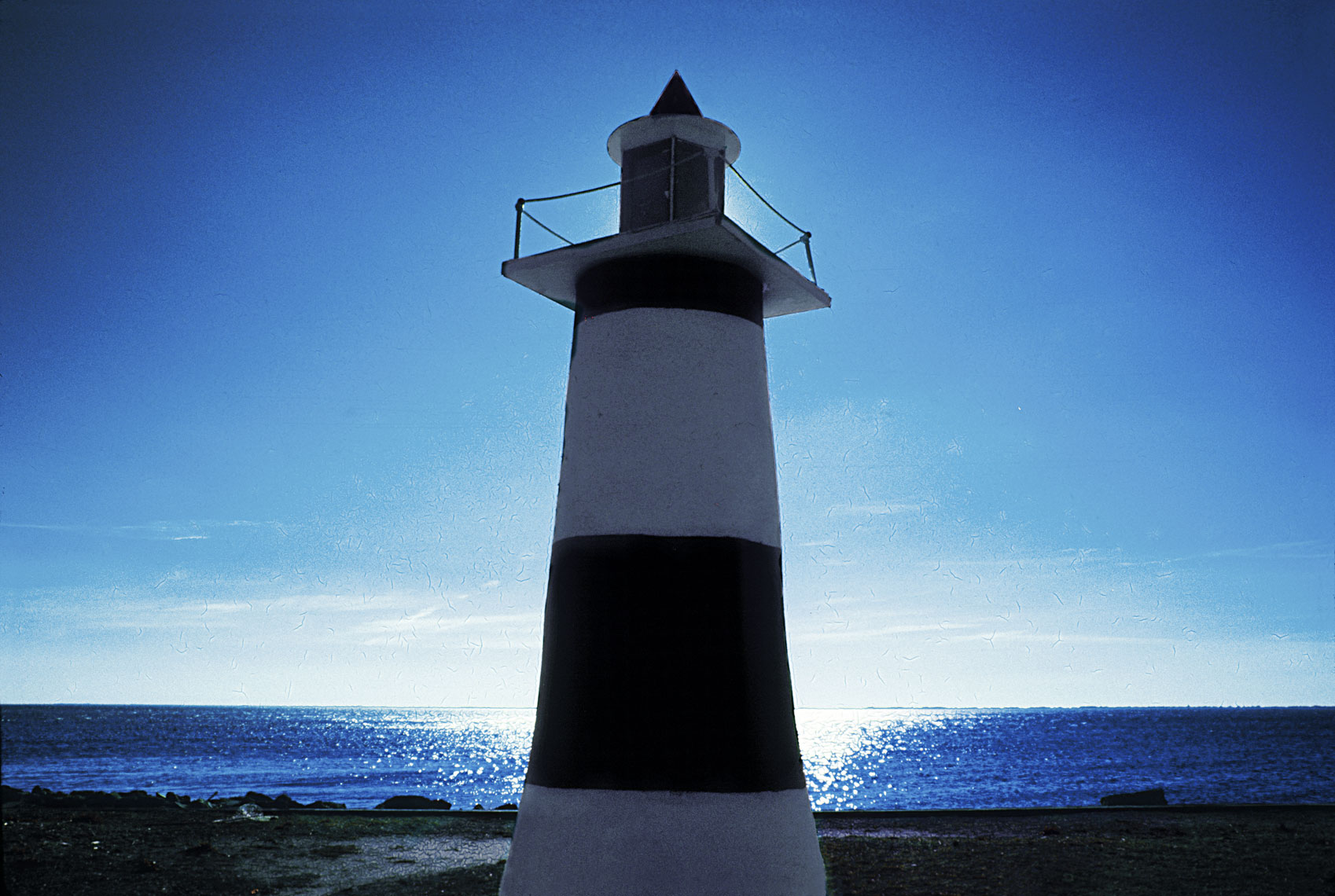 13_Infrared-Lighthouse