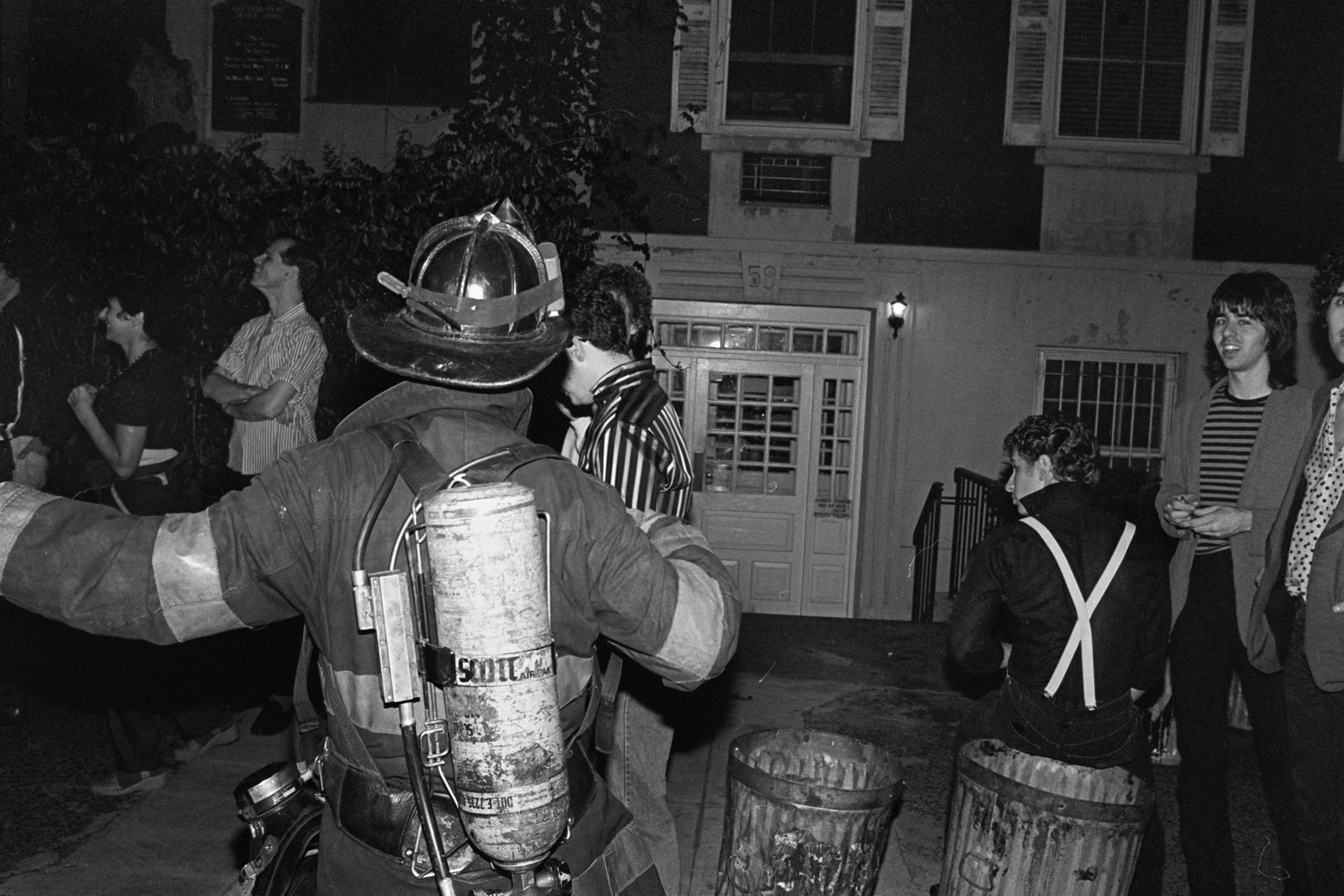 25_Club57_Elvis-Memorial-Party-Fire-Dept-arrives-after-fire-in-Club_0880.jpg