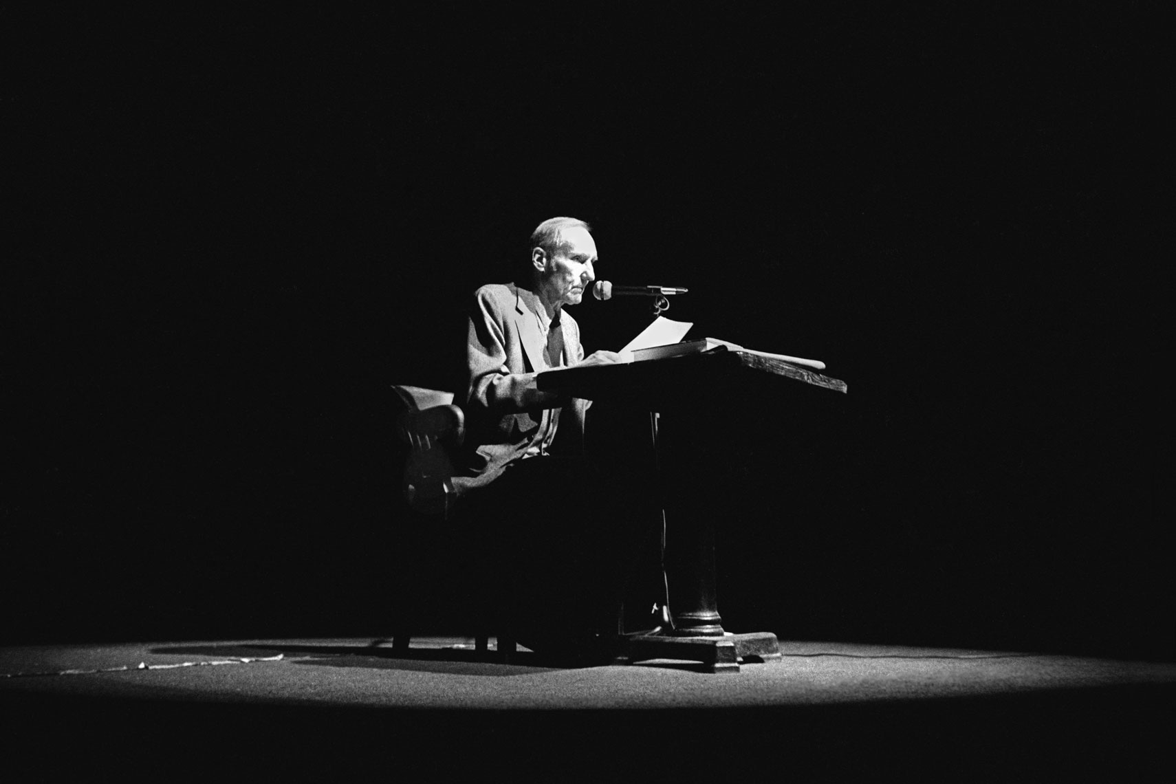 34_William-S-Burroughs-Poetry-Reading_Irving-Plaza_0581.jpg